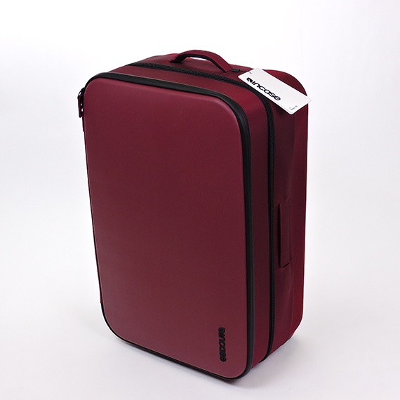 Incase Via Roller 29 - Deep Red